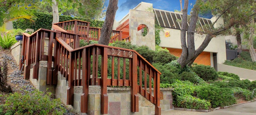 3219 Canyon Lake Drive (Lake Hollywood Estates)